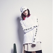 LAUL X BLKAPL LETTERING LONG SLEEVE ARM WHITE (레터링 롱슬리브 암프린팅 화이트)