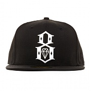 REBEL 8 LOGO NEW ERA (BLACK)