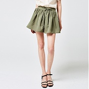 얀13 FRILL COOL SHORT PANTS_KHAKI