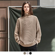 어커버 LATERAL TURTLENECK SWEATER